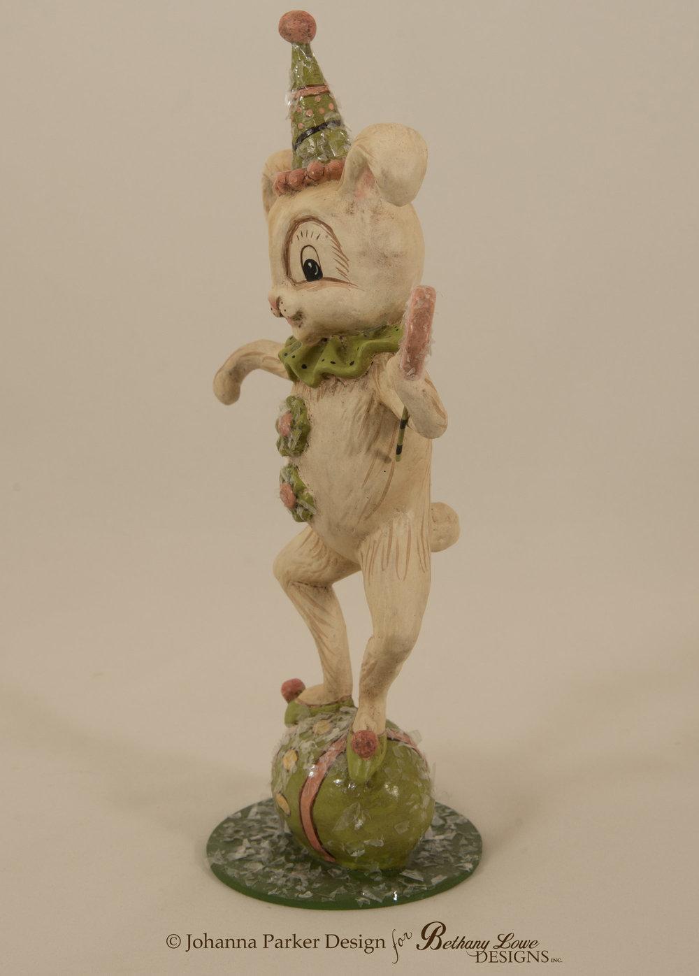 Bunny-Figure-3.jpg