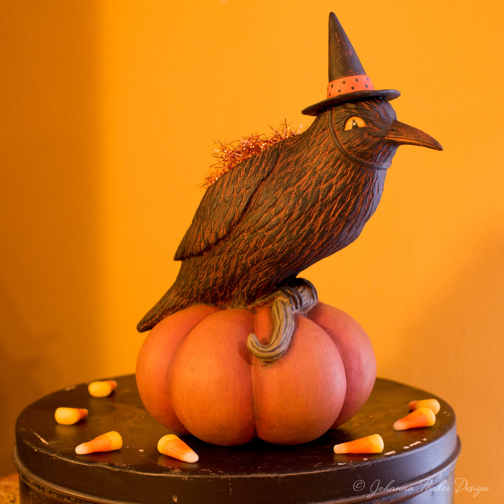 Hollow Pumpkin Crow