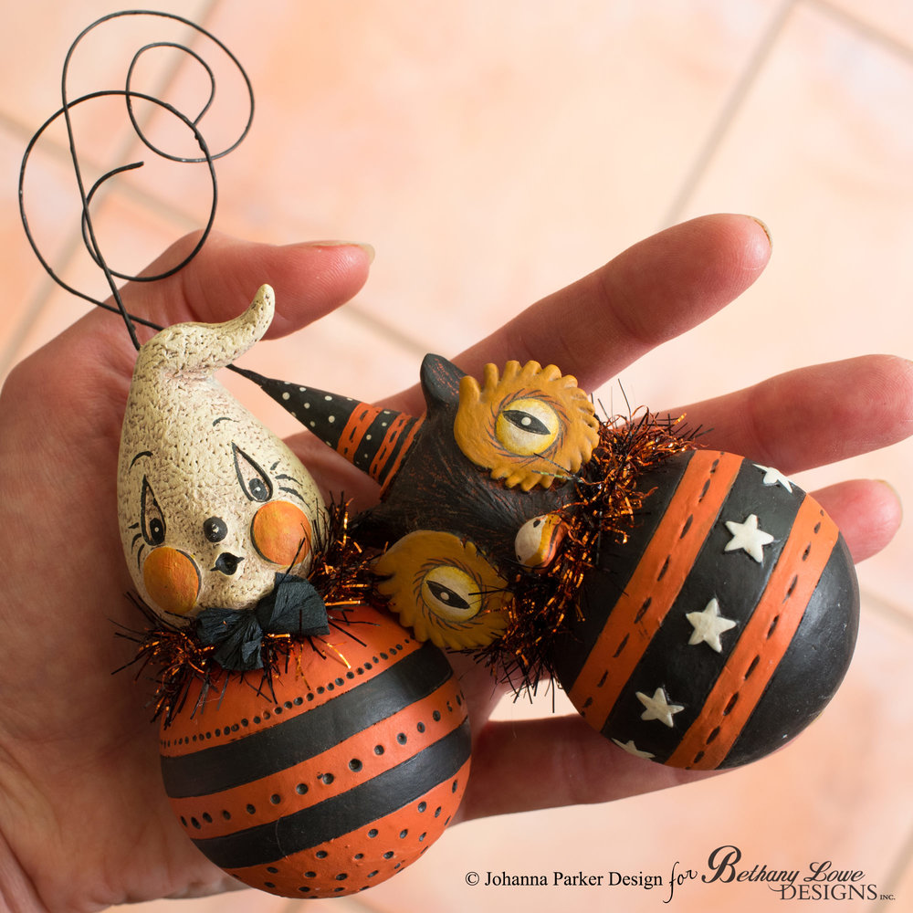 Halloween-BLD-Ball-Ornaments-in-Hand.jpg