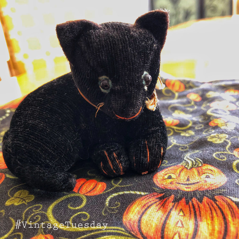 Vintage-Tuesday-Mohair-Black-Cat.jpg