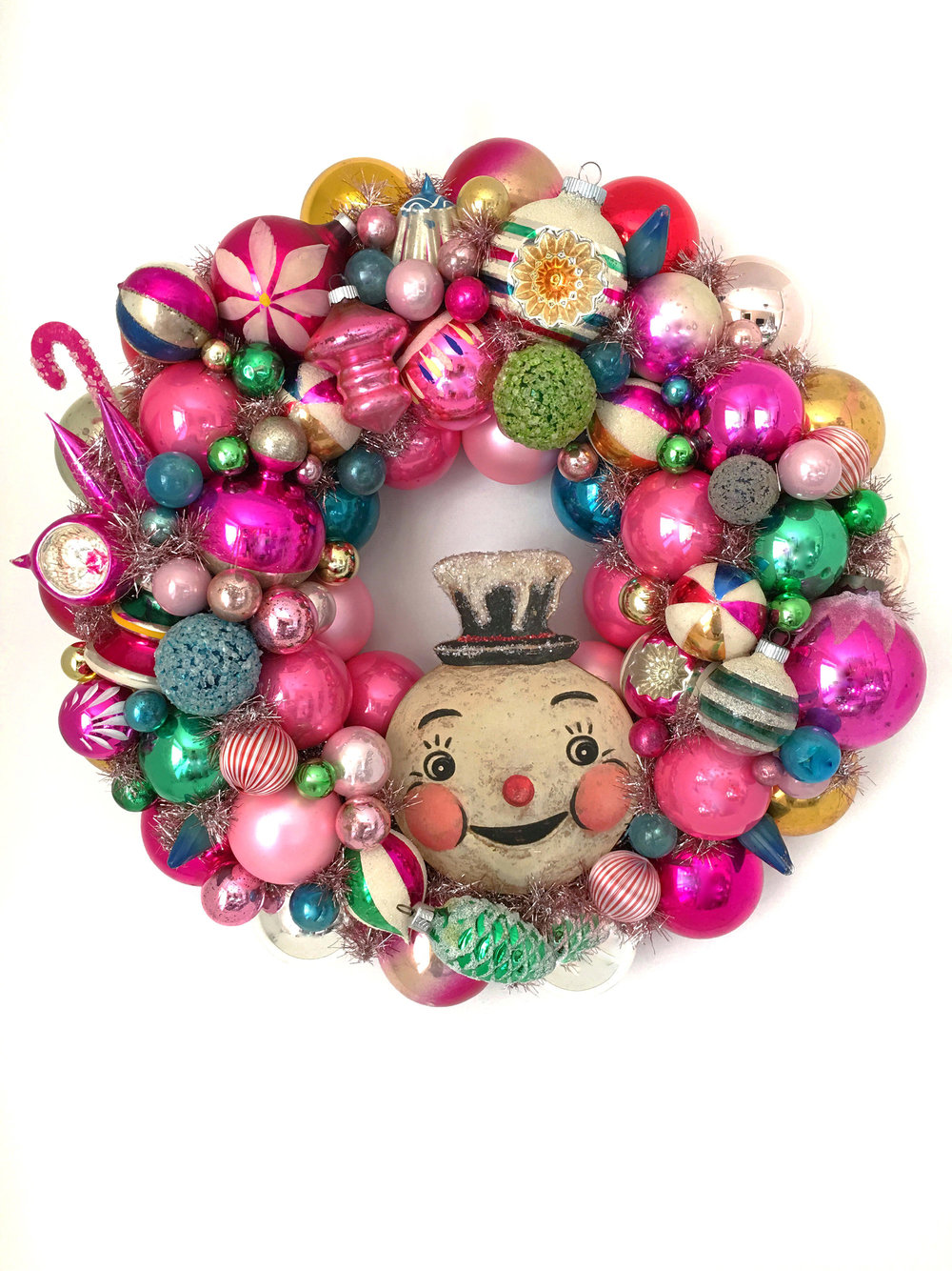 Bubble-Gum-Bauble-Vintage-Wreath-on-White-Christmas-Studio-Johanna-Parker.jpg
