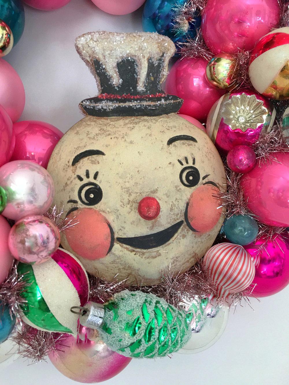 Bubble-Gum-Bauble-Vintage-Wreath-White-Christmas-Studio-Johanna-Parker-close.jpg