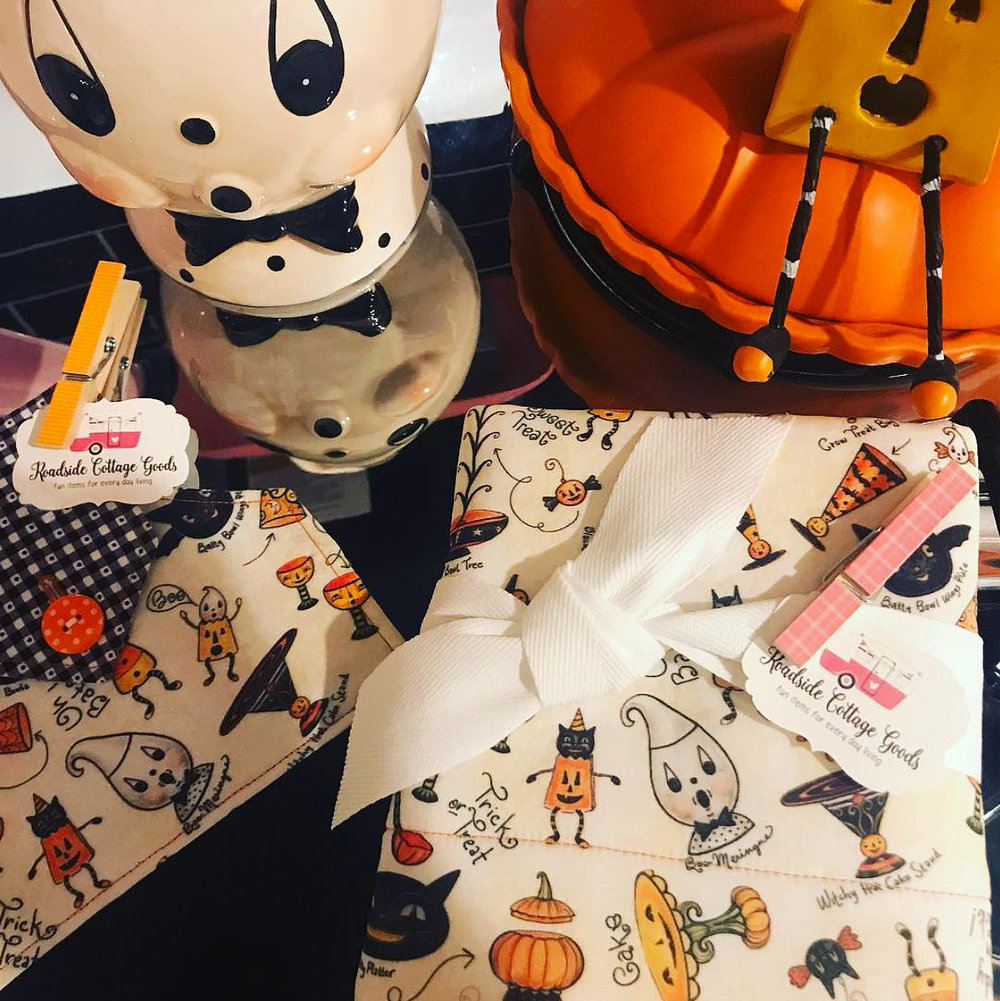 Halloween Kitchen towels by @roadsidecottage (on Instagram) using Johanna Parker Design Halloween fabric from Spoonflower.  GET: Halloween Sketch a Collectible