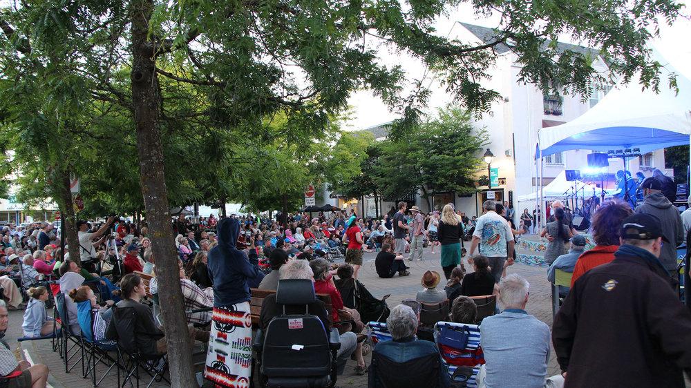 crowd-shot-citysquare.jpg