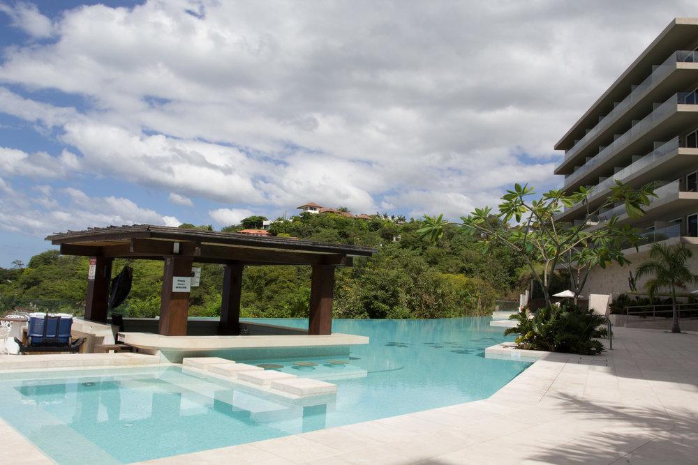 Esplendor pool and ocean view hotel rooms