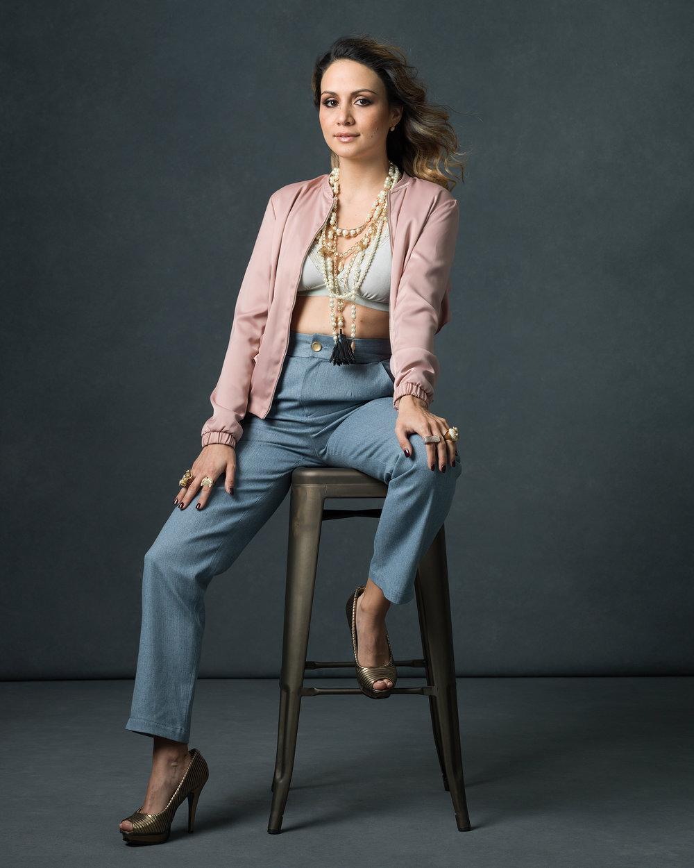 The Go-Getter - La Niña Almendra in the Jeane Jeans.