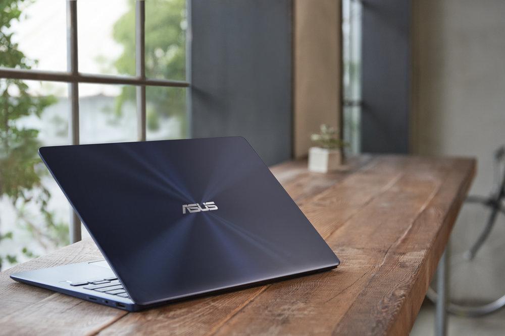 ZenBook-13_UX331UA_UX331UN_Scenario-photo_01.jpg