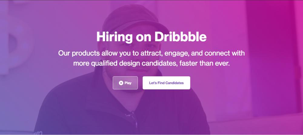 """Home page du site Internet de Dribble - septembre 2018 :""""Nous embauchons chez Dribbble. Nos produits vous permettent d'attirer, discuter et vous connecter à des candidats plus qualifiés en design, plus rapidement que jamais."""""""