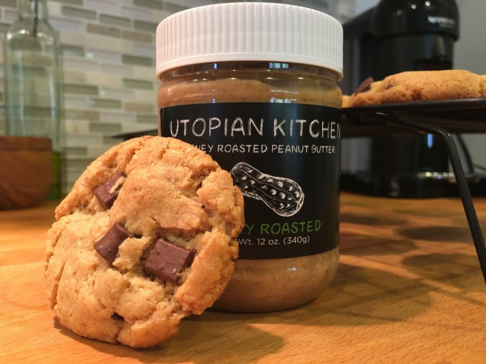 Flourless Peanut Butter Chocolate Chip Cookies - Click for recipe