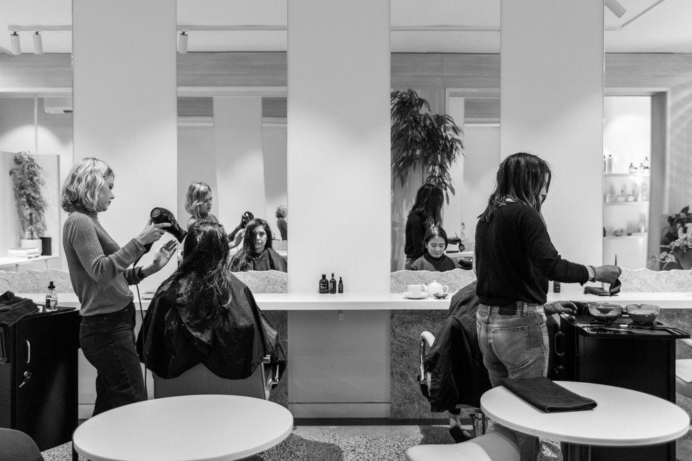 Bob Hair Salon Girls at Work
