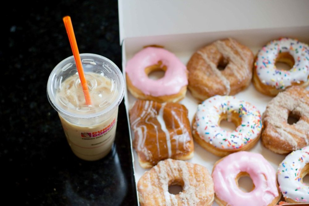 Dunkin-Donuts-Breakfast-Squares-Blueberry-Latte-6-1024x683 2.jpg
