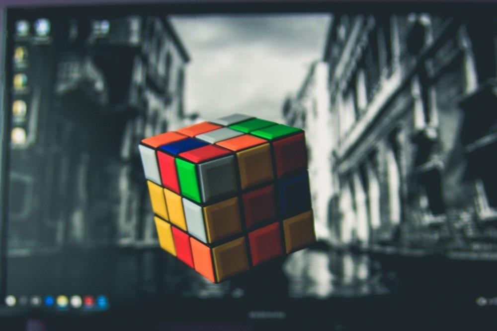 Erno RUBIK: Rubik's cube (1974)