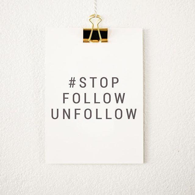 """Feliz Lunes! Levantada desde temprano con mucha energía 🤩 sacando este tiempo para comentar lo aburrido que es la estrategia del """"te sigo y luego te dejo de seguir o Follow/Unfollow"""" 😴😆 Respetuosamente les digo que si mi contenido no les interesa, tampoco me utilicen para hacer crecer sus negocio de forma deshonesta 🤷🏻♀️ Yo sigo cuentas auténticas, interesantes y que realmente son notorias por su compromiso ✌🏼 Sigo depurando mi Instagram, y disfrutando mi forma de vivir 😁 Feliz día 💋🙏🏻 📸: Coffee with Summer Blog . . . #stopfollowunfollow #mondaymotovation #behonest #mondaymood"""