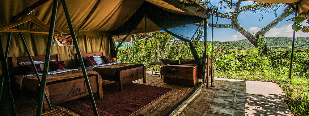 Ang'ata Camps are offered to our guests who prefer a more luxurious experience. This Lodge/Camp is included in our 5 DAY SAFARI PACKAGE