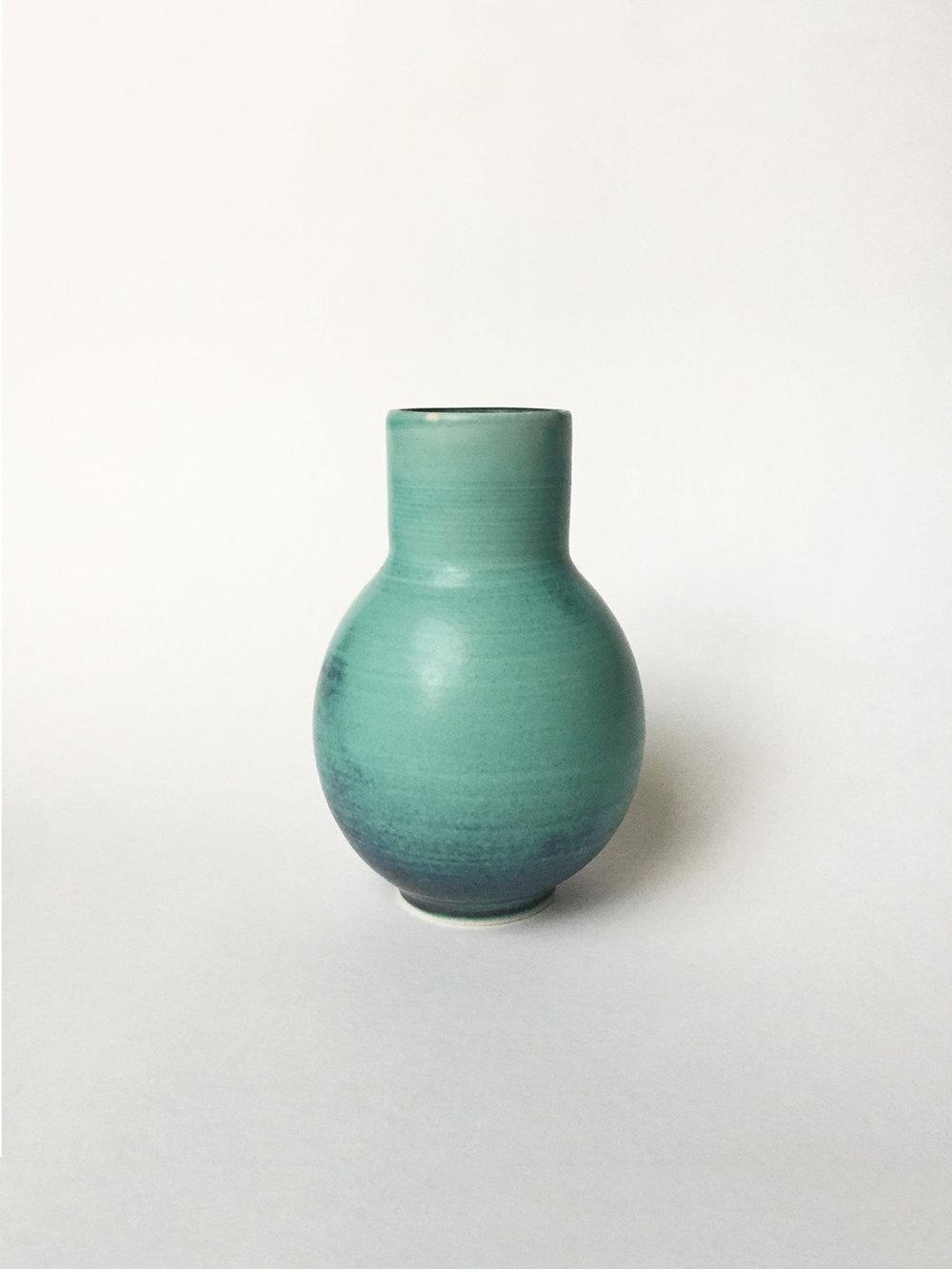 17-vase-turq-stove-02.jpg