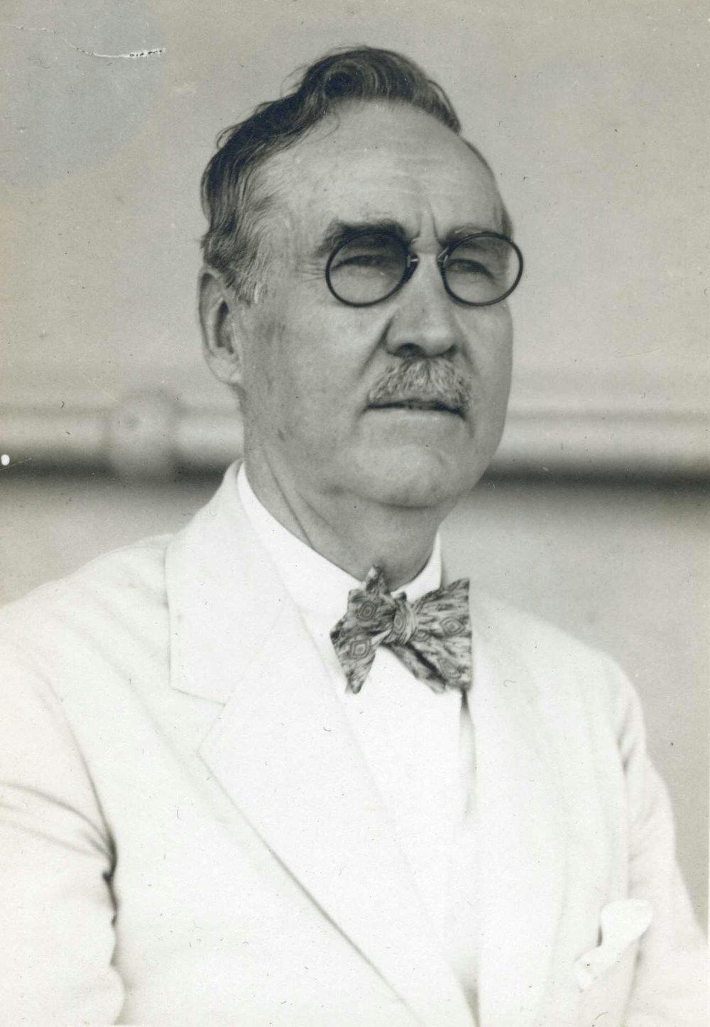 Tour Dir. Charles C. Moore