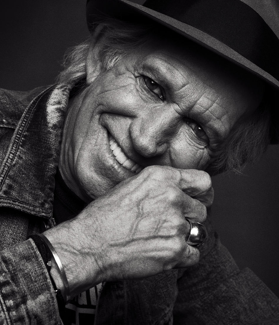 COVER_Keith_Richards_nolines.jpg