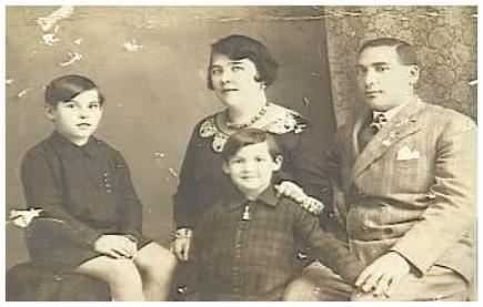 Grunstein family c. 1930: Kato, Franciska, Eva, Jeno