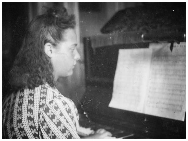 Eva c. 1938