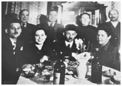 Engagement party, Nove Zamky, Slovakia c.1941. Standing: Ignac Grunstein, Jeno Grunstein, Hermina Sonenschein, Morris Sonnenschein. Seated: Martin Weiss, Katarina Grunstein, Lipot Weiss, Franciska Grunstein.
