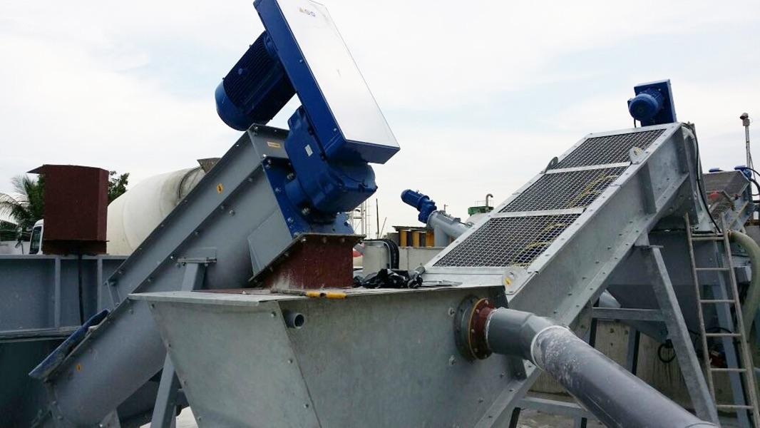 concrete-recyling-plant6 Buffalo Mixer.jpg