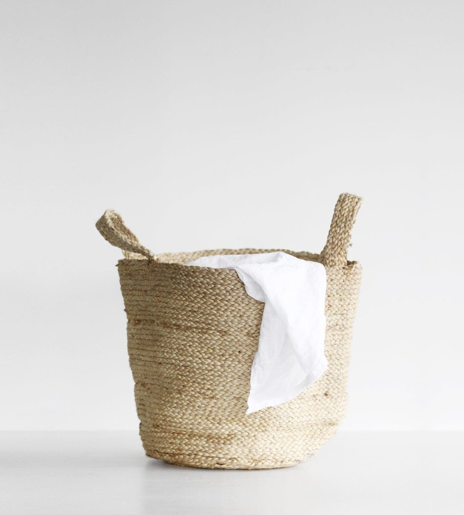 FRWEB_LIV_FRENCH-COUNTRY-round-basket-with-plaited-handles_1024x1024.jpg