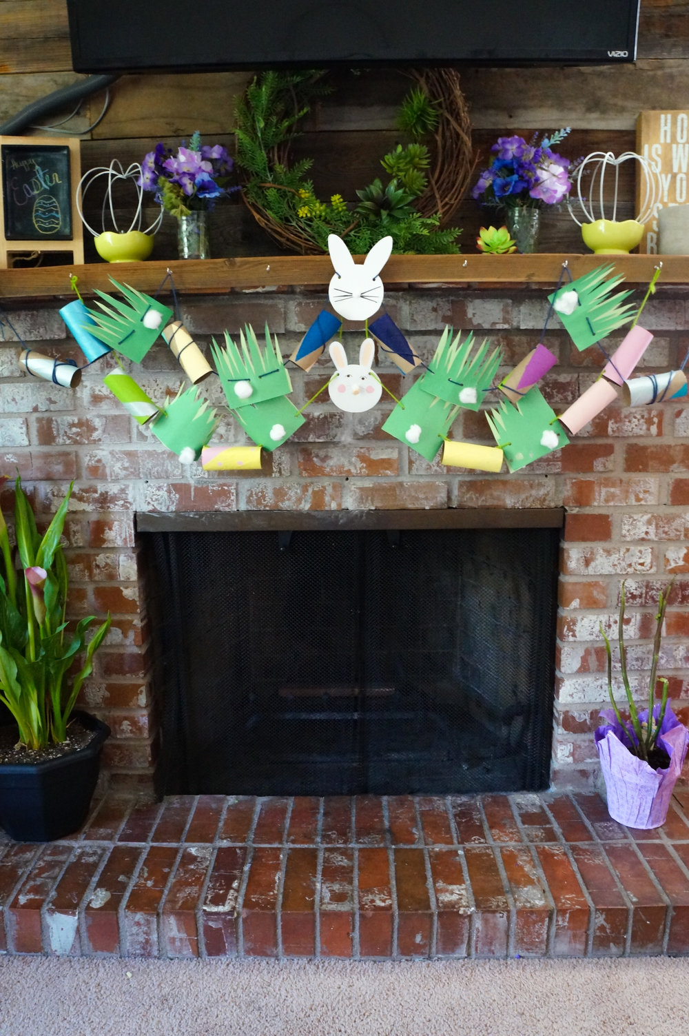 Paper Roll Easter Bunny Garland, Toilet Paper Garland, Easter Garland, Bunny Garland, Bunny Tail Garland, Recycled Crafts,