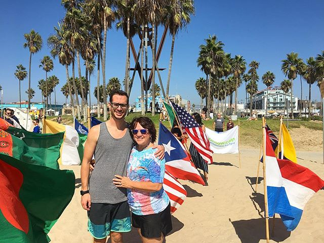 September • Wavin' flags with my momma! 🇺🇸 🇪🇨 🇵🇷 🇨🇺 🇿🇦 🇪🇹 🇦🇺 🇪🇸 🇨🇳 🇭🇰 🇸🇬 🇬🇷 🇮🇸 🇨🇦 #summer #la #family #world #beach #beachbody #parachute