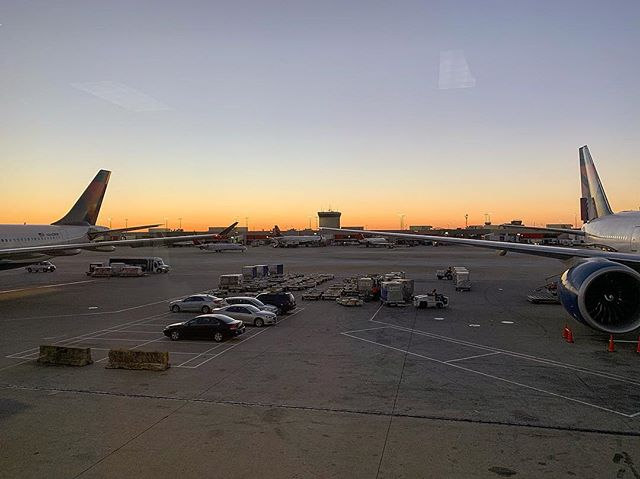 @delta coming through with a nice sunrise and sunset to book end the trip! #travel #southafrica #delta #sunset #sunrise #views #airplane #airport #atl