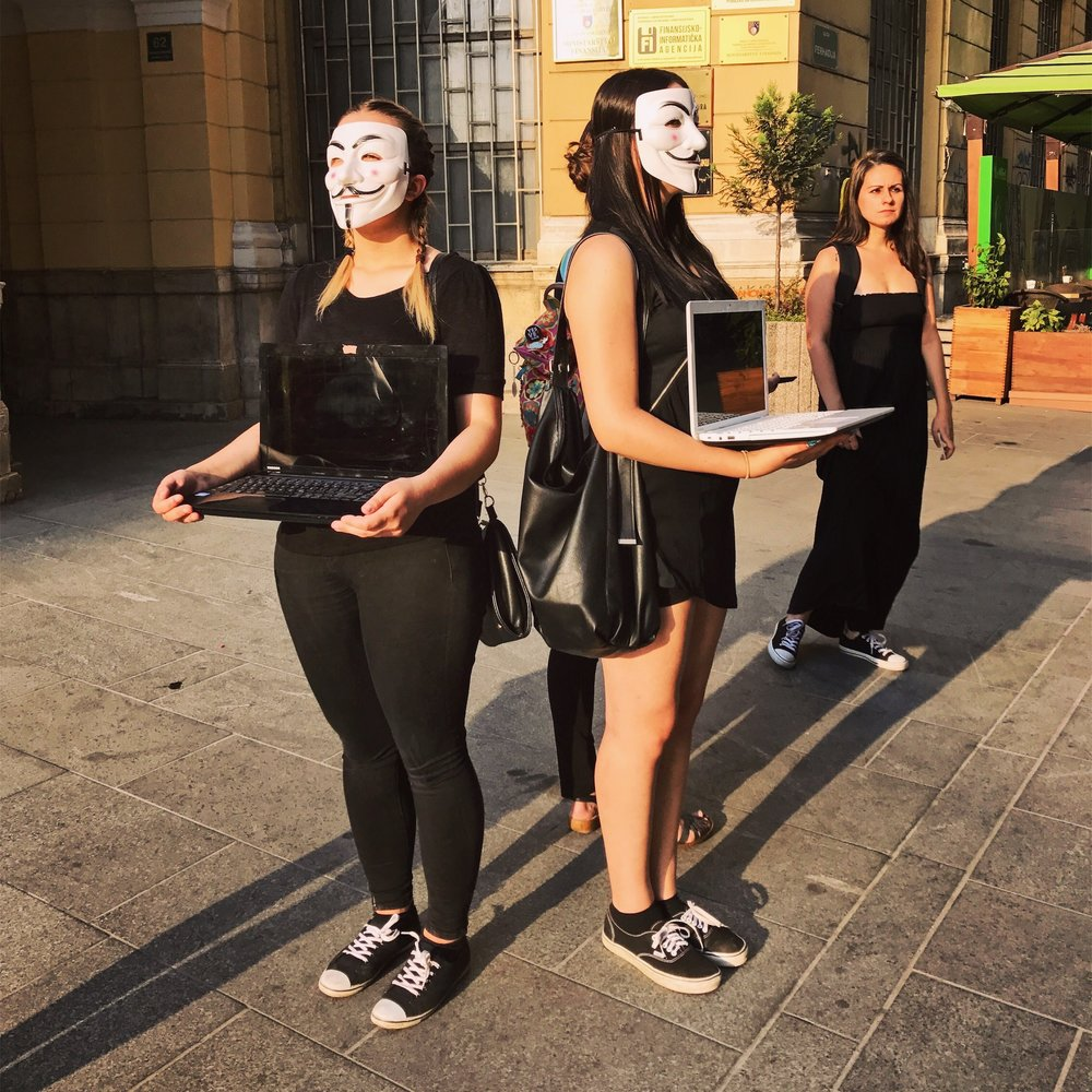 The Balkans is not the most most veg-friendly region I've traveled through. Yet it is where I've seen the most pro-vegetarian/vegan street art and performance, including these women, who where advocating animal rights 🐑