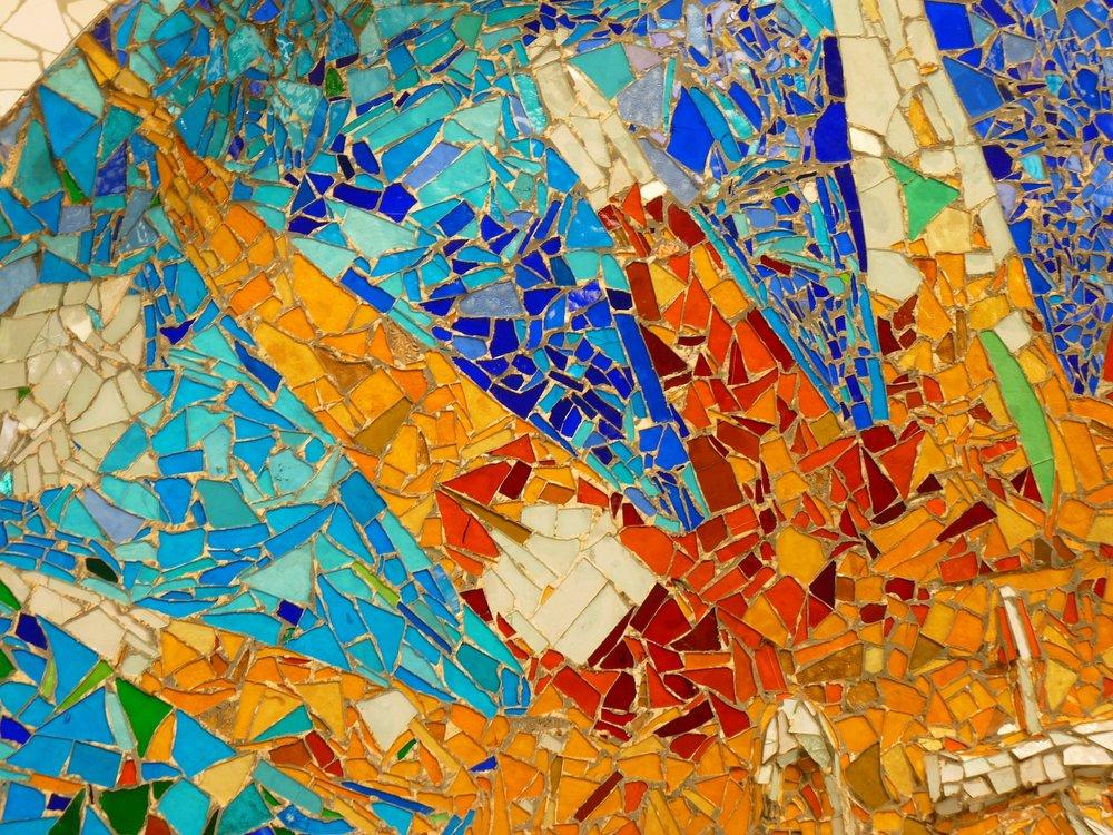 park-guell-gaudi-colorful-tiles-barcelona