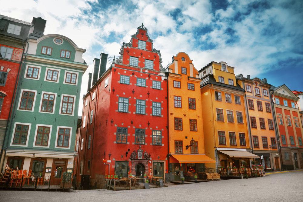 stockholm-colorful-buildings