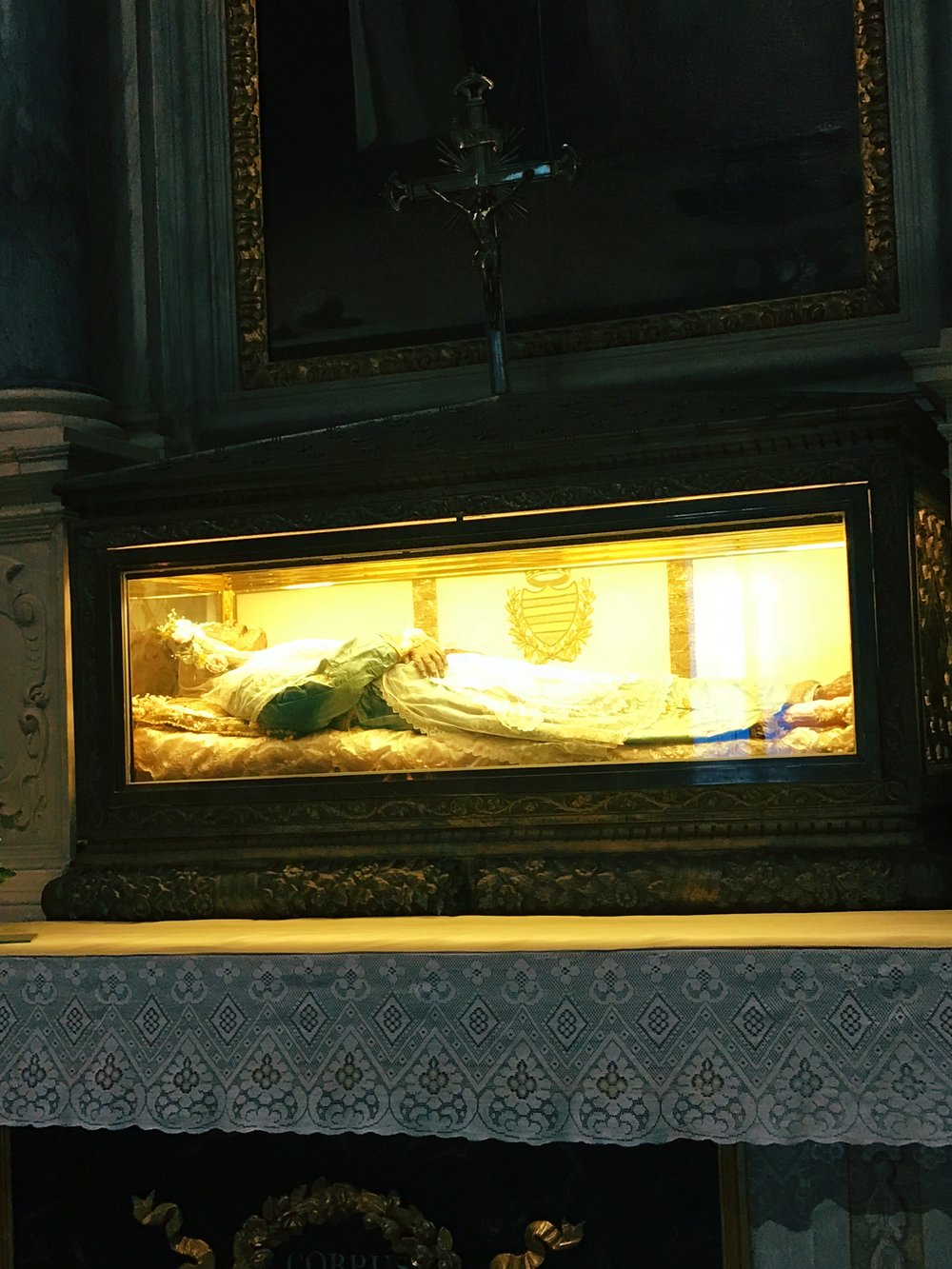 Inside San Frediano, you'll find the body of Saint Zita. Literally her body. She died in 1272 and never disintegrated and wasn't ever embalmed. This church also has an American chapel.