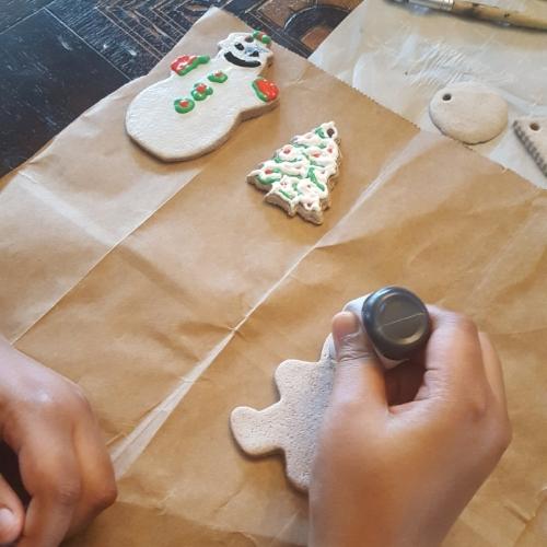 decorating cookie.jpg