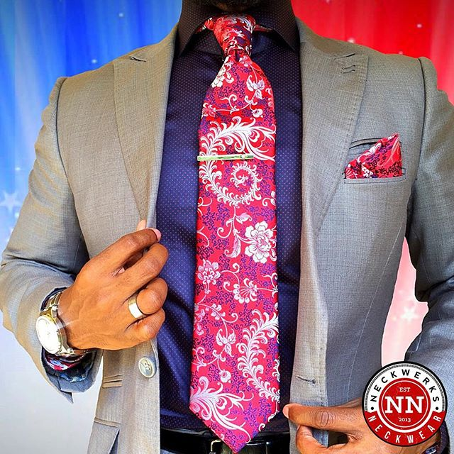 For the Culture... #NeckwerksNeckwear #beautifulmenswear #gentlemanstyle #guyswithstyle #fashion #dailystylehunt #dapperlydone #dappermen #styleoftheday #simplydapper #styleiswhat #suitandtie #igfashion #instadaily #menswear #mensfashion #mensmagazine #menwithclass #menwithstyle #menisterofstyle #mensfashionpost  #mensfashionreview #mensfashionblogger #menwithstreetstyle #blackmenwithstyle #beardgang #dripdrip