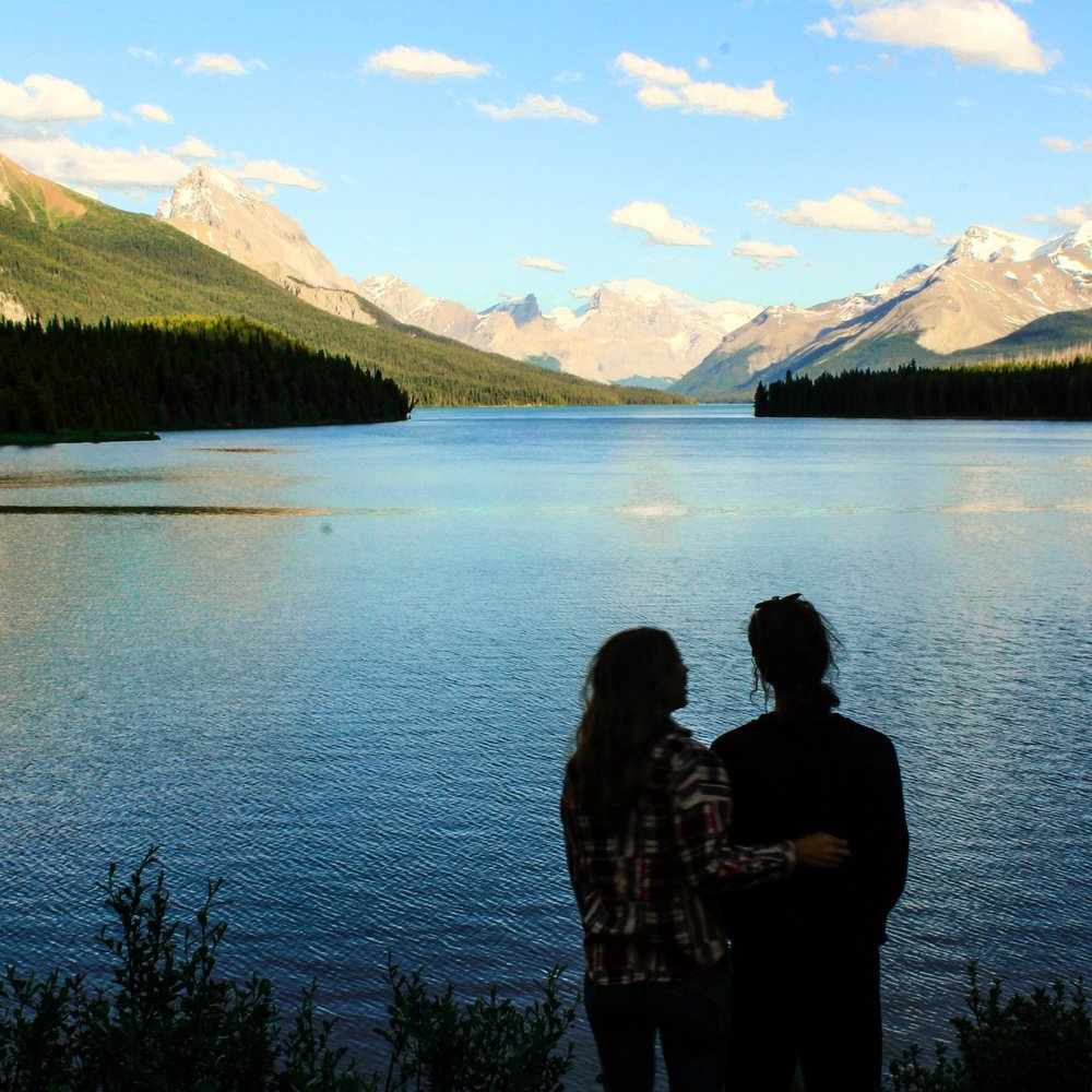 Stand on the shores the second-biggest glacial fed lake in the world;Maligne Lake