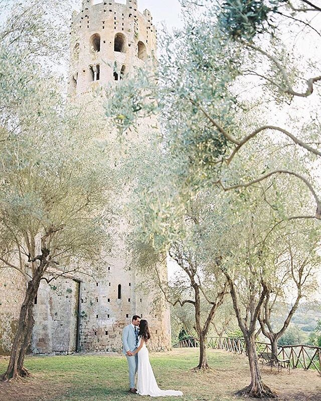 "REPOST: ""This venue & these two 🌿. Wedding is in your inbox, lovely @laulakay ! #orvieto #italy #labadiadiorvieto #umbria #umbriawedding #italyweddingphotographer #italywedding #destinationweddingphotographer #destinationphotographer #destinationwedding #labadiaorvieto #orvietowedding #olivegrove #umbriawedding #tuscanywedding #tuscanyweddingphotographer #medieval #perthweddingphotographer #santaynezwedding #californiaweddingphotographer #film #contax645 #filmphotographer : @katiegrantphoto """