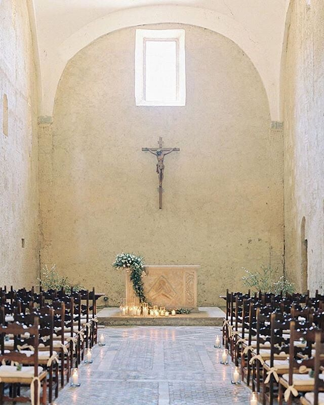 "REPOST: ""Ceremony perfection in Orvieto, Italy ✨. Can't wait to share more of this gorgeous wedding. #italy #filmphotographer #orvieto #labadiadiorvieto #orvietowedding #umbria #umbriawedding #umbriaweddingphotographer #tuscany #tuscanywedding #tuscanyweddingphotographer #destinationweddingphotographer #destinationphotographer #destinationwedding #chapel #church #perthwedding #perthweddingphotographer #contax645 #elopementphotographer #santaynezweddingphotographer #nycwedding #nycweddingphotographer #italywedding #italyweddingphotographer : @katiegrantphoto """