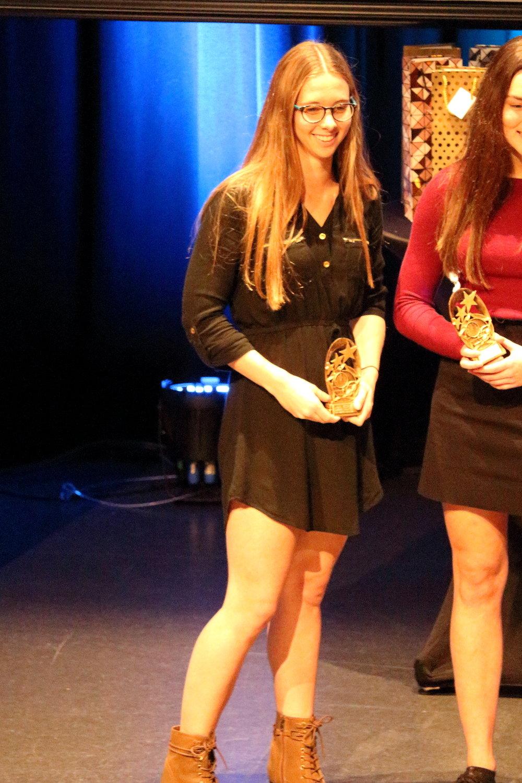 Méritas esprit d'équipe 15ans+: Ève-Marie Guillemette