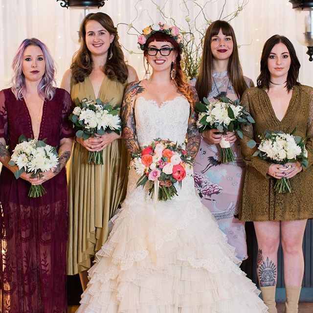 It's almost been a year since Lilly & Jameson's intimate home wedding! Her bouquet still gives me all the feels!