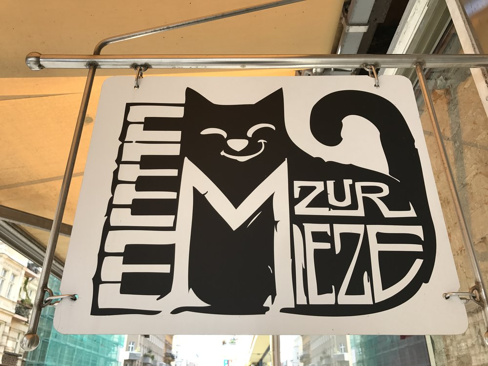 Click here for a full review of Zur Mieze