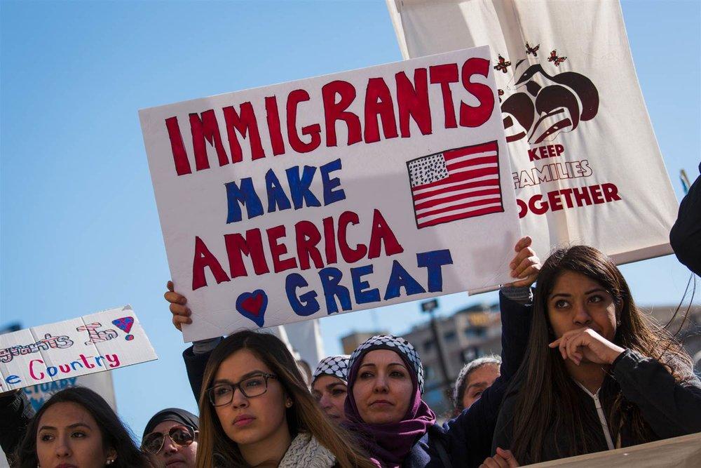 170213-milwaukee-protest-immigration-ok-1629_5619dc2b4f55c921746c3ba87f26f47f.nbcnews-ux-2880-1000.jpg