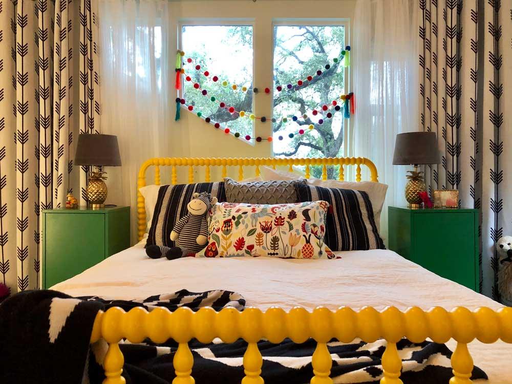 Cheery Tween Room -