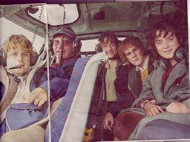 Peter Jackson Films : Hobbits in a Helicopter