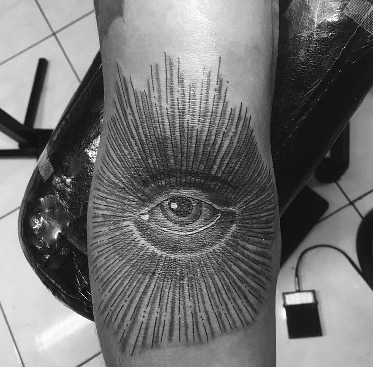 Daniel Tattoos (10).jpg