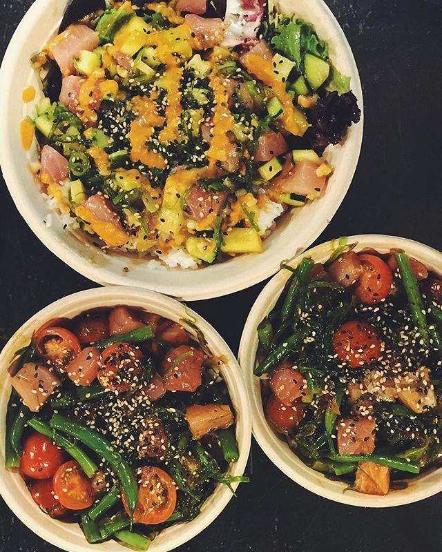 Can't decide what to grab for lunch? We can make your life easier, all it takes is a little pokè #bigeyerawbar #poke #santabarbara #publicmarket #foodie #healthy #eats #yum #sushi #lunch