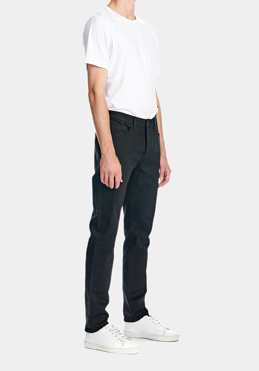 LOU (Regular)   Lou are a classic 5-pocket jean in a regular fit. Fit are not too tight, not too loose and are a bit tapered from leg down to the ankle. Our everyday jean that can be worn with whatever whenever.   Discover this seasons Lou washes
