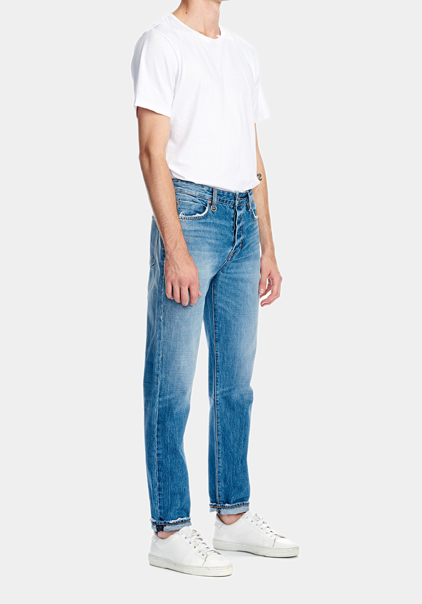 SERGE (Straight)   For spring 18 we're introducing a new, straight fit with slightly tapered legs called Serge. Perfect if you're looking to replace your skinny jeans with a straight classic. Match these jeans together with a pair of sneakers and you're good to go.   Discover this seasons Serge washes