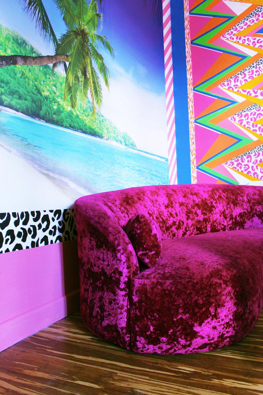 Kitchen Sofa Corner w border.jpg