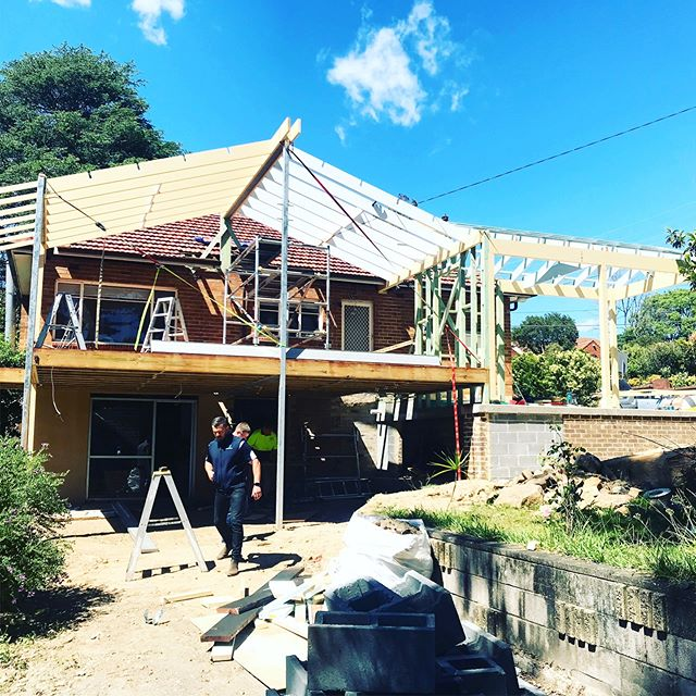 I love this stage in a project where the form starts to emerge! Looking good @expansive_group #renovation #sydneyarchitecture #lanecove